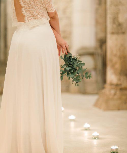 Location Robe de mariée La Rochelle ensemble Amandine profil cave