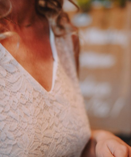 Location Robe de mariée La Rochelle robe Johanna detail devant