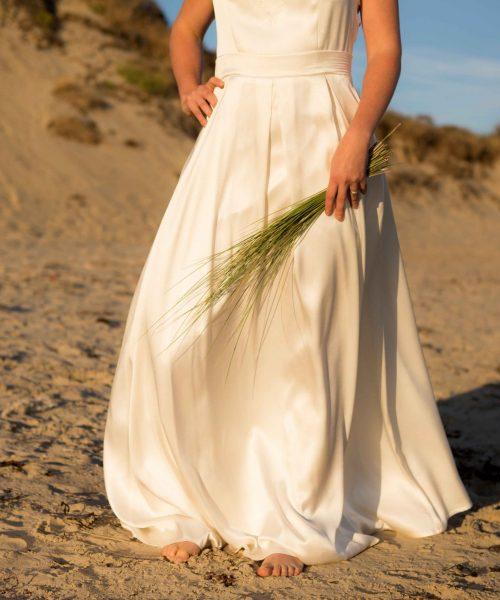 Location Robe de mariée La Rochelle robe Victoire jupe face